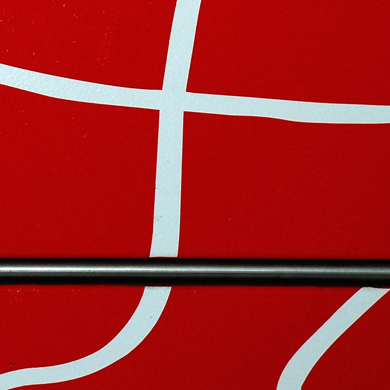 Arild Storaas, simple red / flickr